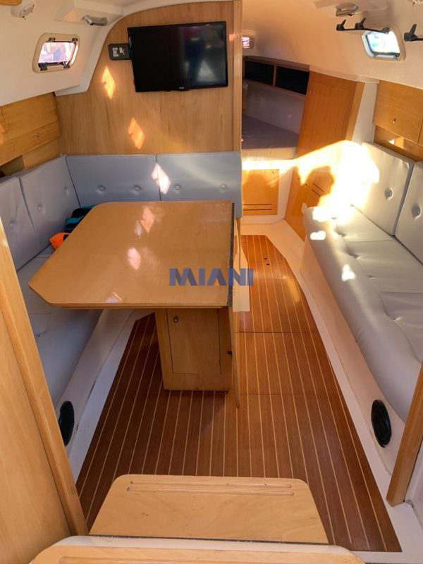 velero Corum 300 Cr