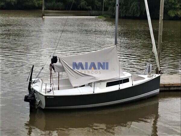velero Oceanic 22. @mianibarcos